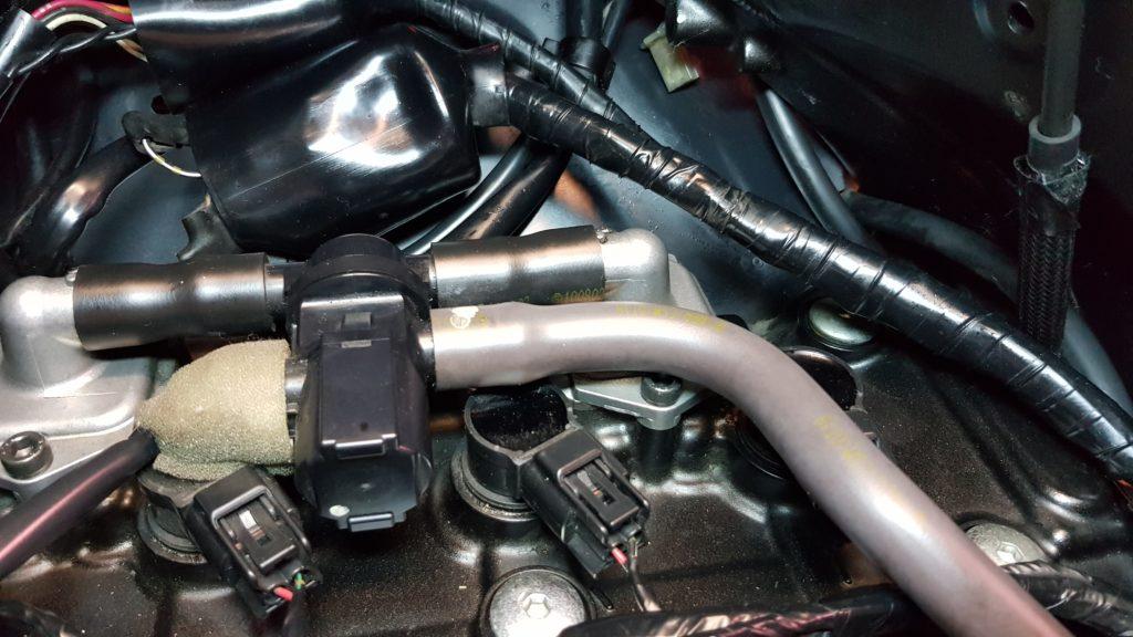 Le haut moteur du ZX6R une fois néttoyé